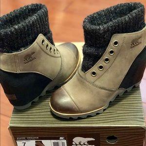 NWT Sorel Joanie Sweater Wedge Booties sz 7
